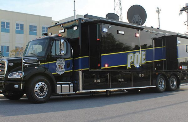 LARGE MOBILE COMMAND VEHICLES