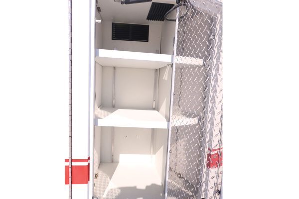 FPG13072-right-compartment1