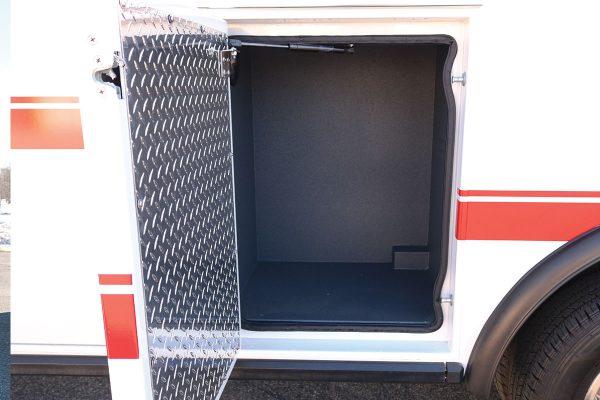 FPG14330-left-compartment2