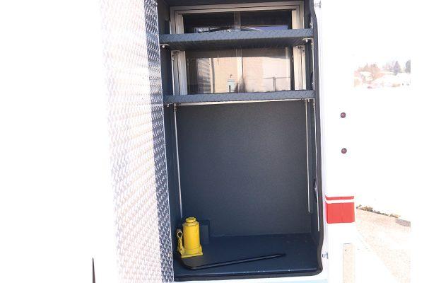FPG14330-left-compartment3