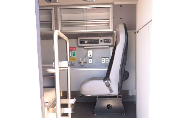 FPG14330-right-door