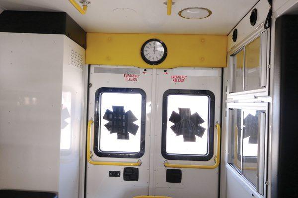 ccl-f21c-2015-18-interior-rear