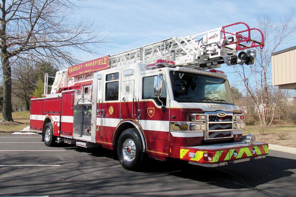 YARDLEY MAKEFIELD FIRE CO Pierce Velocity 107' Ascendant Heavy-Duty Quint Ladder