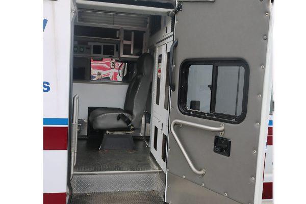 braun3310-side-door
