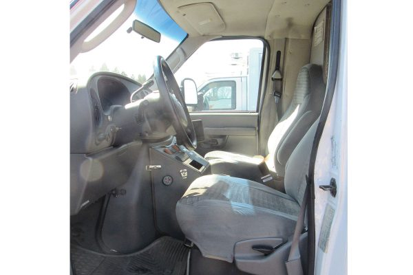 2004_Ford_4HA70396-cab