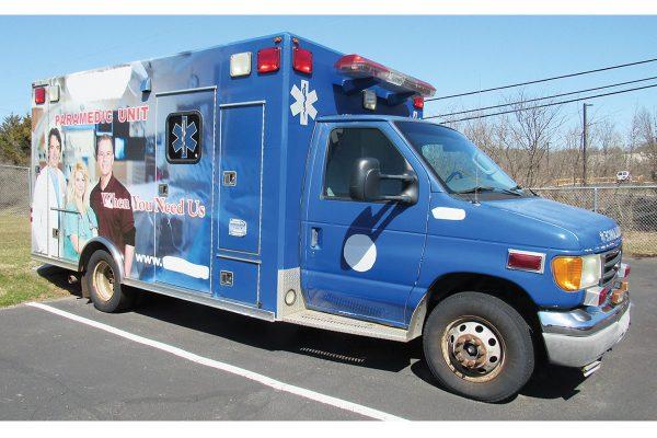 Used Type III Ambulance 2004 Ford
