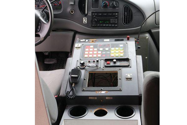 2007_Ford_7Da64412-cab-dash