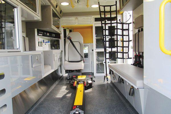 F21P-3492-interior4