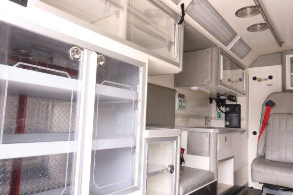 05803-interior1