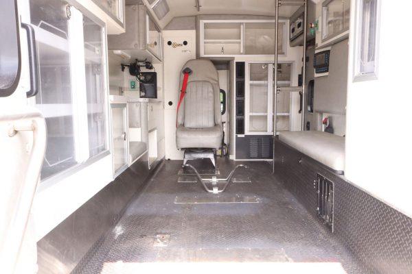 05803-interior2
