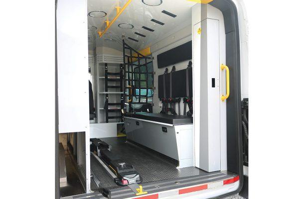 F20-3803-interior3