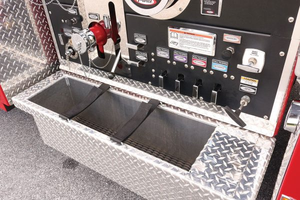 35465-left-panel-tray