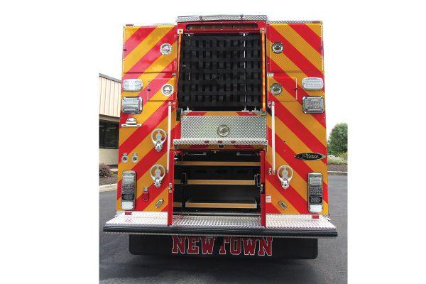 35613-rear-open