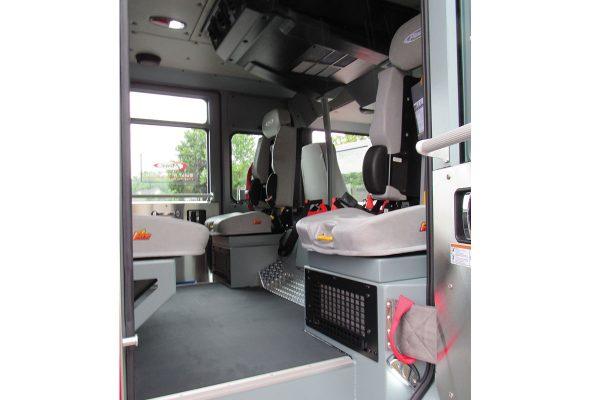 35693-interior2