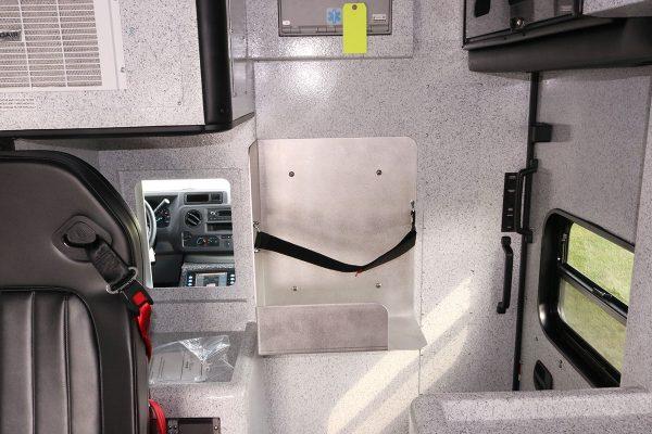 08614-interior-custom-shelf
