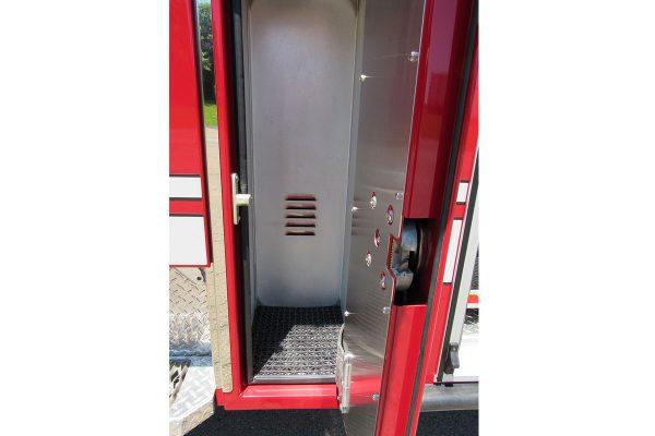 35241-01-left-compartment_1