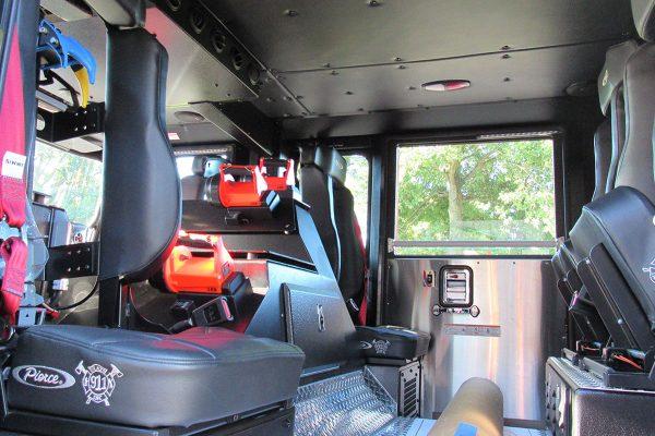 35698-interior1