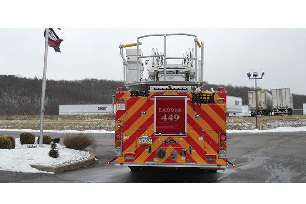 KEARSARGE FIRE DEPARTMENT 2017 Pierce 107' Ascendant Enforcer Quint with a Texas chute out